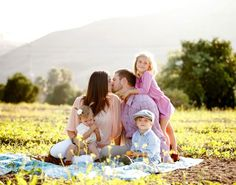 family photo by Ashlee Raubach Photography