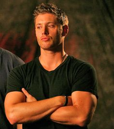 This. This right frigging here. This is why he needs to wear more t-shirts. #SupernaturalCast #JensenAckles