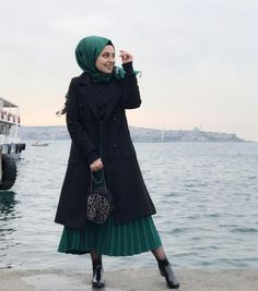 Image may contain: 1 person, standing, ocean, sky and outdoor Muslim Women Fashion, Modest Fashion, Hijab Fashion, Fashion Outfits, Hijab Dress, Hijab Outfit, Church Fashion, Fashion Pictures, Dresses With Sleeves
