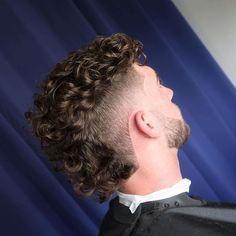 Macho Moda - Blog de Moda Masculina: CORTES DE CABELO MASCULINO para 2021, as 5 principais Tendências para esse ano! Mullet Haircut, Crop Haircut, Mullet Hairstyle, Fade Haircut, Undercut Hairstyle, Haircut Short, Haircut Styles, Haircut Men, Style Hairstyle