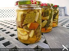 Zucchini eingelegt, süß-sauer, mediterran Chutneys, Pickles, Nom Nom, Low Carb, Food And Drink, Veggies, Cooking Recipes, Favorite Recipes, Homemade