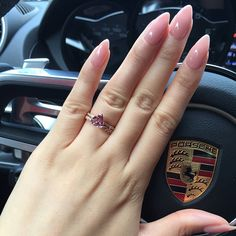 Make an original manicure for Valentine's Day - My Nails Almond Acrylic Nails, Pink Acrylic Nails, Nude Nails, Acrylic Nail Designs, Almond Nails Pink, Acrylic Nails Almond Short, Short Almond Shaped Nails, Almond Shape Nails, White Nails