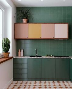 19 Awasome Green Kitchen Cabinet Ideas For 2019 , green kitchen de. - 19 Awasome Green Kitchen Cabinet Ideas For 2019 , green kitchen decor, green kitchen - Dark Green Kitchen, Green Kitchen Decor, Quirky Kitchen, Home Decor Kitchen, Kitchen Interior, Home Kitchens, Vintage Kitchen, Kitchen Ideas, Kitchen With Living Room