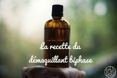 Aujourd'hui je vous propose une petite recette de cosmétique pour changer, qui vous donnera peut-être une idée de dernière minute à offrir à Noël... Le démaquillant biphase maison. J'ai... Beauty Make Up, Diy Beauty, Handmade Cosmetics, Cosmetology, Diy Hairstyles, Natural Makeup, Whiskey Bottle, Perfume Bottles, Health Fitness