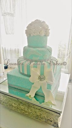 Tiffany Wedding Cake by Lourdes Padilla
