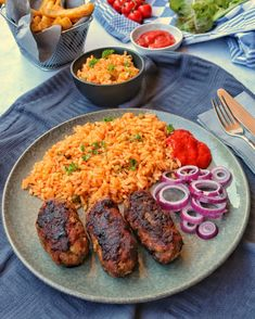 Djuvec rice with cevapcici-Djuvec Reis mit Cevapcici Djuvec Rice with Cevapcici – Recipes – Cooking Recipes – Cooking – Instakoch. Healthy Dinner Recipes, Healthy Snacks, Vegetarian Recipes, Cooking Recipes, Cevapcici Recipe, Budget Meals, Diet And Nutrition, Food Inspiration, Clean Eating