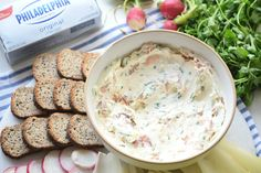 This Smoked Salmon Cream Cheese Spread is way beyond good. It's packed with fresh ingredients, delicious flavors, and is super easy to make. Smoked Salmon Cream Cheese, Smoked Salmon Appetizer, Smoked Salmon Dip, Cheese Bagels, Cream Cheese Spreads, Best Appetizers, Tea Recipes, Holiday Baking, Salmon Recipes