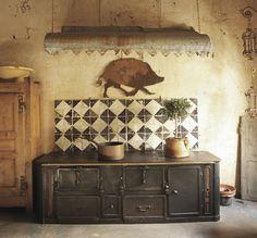 Wohnen mit Seele. Incredible French kitchen!
