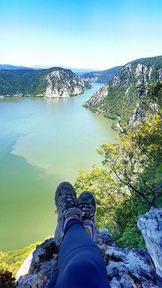 Romania / hike / hiking / danube / cazane / dunarea / view / ciucarul mare / travel / traveler
