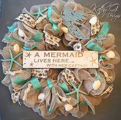 Christmas Wreaths For Sale Nz Christmas Wreath With A Bow Mermaid Crafts, Mermaid Diy, Seashell Crafts, Beach Crafts, Ocean Crafts, Nautical Christmas, Beach Christmas, Christmas Wreaths, Christmas Crafts