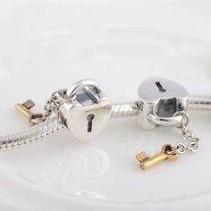Lucchetto con cuore e chiave placcata oro charm bead 100% argento 925 adatta misure Pandora charm Pandora bead Braccialetto europeo STLW149 di OceanBijoux su Etsy