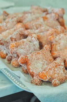 Sotkun munkit rikkoivat kävijämääräennätyksen - Sweet Food O`Mine Finnish Recipes, Scandinavian Food, Sweet Pastries, Rocky Road, Pastry Cake, Deli, Baked Goods, Sweet Recipes, Donuts