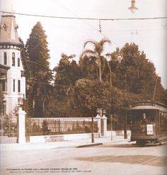 """Av. Paulista - Anos 20. Bonde c/ o cruzamento da al. Campinas. Repare que ele está escrito """"Cidade"""". Era comum as pessoas falarem """"Cidade"""" se referindo """"vou ao centro"""""""