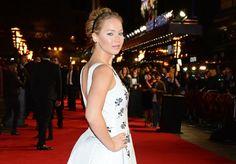 Pin for Later: Jennifer Lawrence a Mis le Tapis Rouge en Feu Lors de la Première Mondiale de Mockingjay