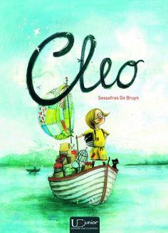 Cleo - Sassafras de Bruyin; Varsta:5+; Cleo este tristă. Tot timpul trebuie să se grăbească. La autobuz. La școală. Adesea se simte singură. Așa că pleacă în căutarea unui alt loc. Un tărâm în care înfruntă monștri marini și unde norii au gust de frișcă.  Numai pisoiașul poate să vină cu ea. Apoi, deodată, apare un băiat… O poveste emoționantă și fermecătoare despre o fetiță care nu este atât de singură pe cât credea ea.