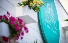 Naming e brand identity rinnovati per questa rosticceria di Polignano a Mare; è stato realizzato un nuovo autentico logo, tutta la grafica interna e il menù