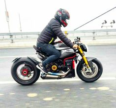 Ducati 1199 Panigale custom naked