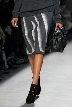 A closer look from the #BottegaVeneta Women's Fall-Winter 2014/2015 runway