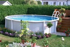 A swimming pool is a great addition to any backyard, but be sure to do your research before taking the plunge. Use this planning guide if you are considering an above-ground pool. Above Ground Pool Landscaping, Swimming Pool Landscaping, Pool Decks, Small Above Ground Pool, Above Ground Swimming Pools, In Ground Pools, Oberirdische Pools, Cool Pools, Awesome Pools