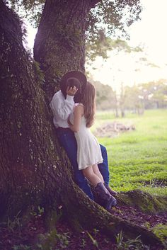 Super sweet kiss behind a cowboy hat by Tiffany Danielle Photography Couple Picture Poses, Couple Photoshoot Poses, Couple Photography Poses, Couple Posing, Couple Shoot, Couple Pictures, Photography Ideas, Western Engagement Photos, Engagement Photo Poses