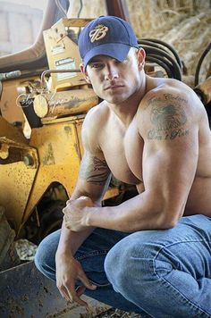 Sexy men.. oh the tattoos... I'm not crazy about tats, but this man is eye candy.