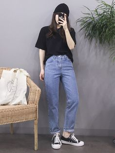 Pin Image by American Joss Korean Girl Fashion, Korean Fashion Trends, Korean Street Fashion, Ulzzang Fashion, Korea Fashion, Asian Fashion, Look Fashion, 70s Fashion, Ladies Fashion