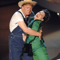 29 Pictures Of Donald Trump With Women That Are Hard To Look At Now Donald Trump Doll, Donald Trump Pictures, Presidential History, Secret Photo, John Trump, Mel Gibson, Old Pictures, Viral Videos, That Look