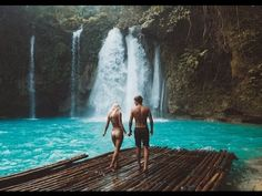 A complete guide to visiting beautiful Kawasan Falls in the Philippines. Cebu, Voyage Philippines, Philippines Travel, Palawan, Kawasan Falls, Foto Top, Paradise Found, Destination Voyage, Beautiful Waterfalls