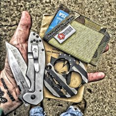 Photo Credit: @bearded__hooligan  Love your style man I always enjoy your edited photos. If you have'nt given @bearded__hooligan a follow then you really are missing out. He's been carrying my wallets forever and has an awesome pic style.  #itstactical #fieldnotes #recycledfirefighter #ruffian #kershaw #everydaycarry