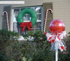 60 best natural outdoor christmas decoration ideas - Candy Cane Outdoor Christmas Decorations