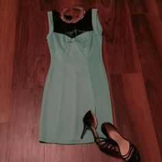 Lette usa dress with lace** Short turquoise lace dress** lei Dresses Mini