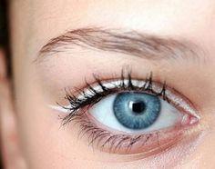 Aprenda 5 maneiras diferentes de usar o lápis branco e conquiste um olhar poderoso