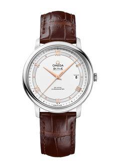Omegas De Ville kolleksjon har tiltrukket seg en stor og lojal tilhengerskare med sin klassiske, elegante design. Disse klokkene er preget av rene linjer med luksuriøse detaljer, og utstråler en tidløs design.