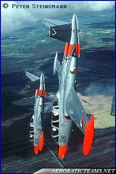 The first aerobatic team of the Ireland Air Corps was called Silver Swallows and it was established in 1986 Dublin Map, Defence Force, Republic Of Ireland, Us Air Force, Air Show, Military Aircraft, Scale Models, Fighter Jets, Cool Pictures