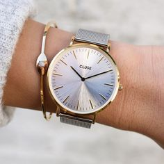 Have you already discovered our sunray dial models? Match them with your casual outfit, and a minimal bracelet for a beautiful touch of shine! ✨    #CLUSE