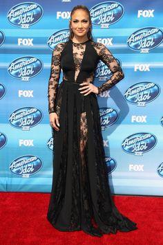 Pin for Later: Best Dressed: Die schönsten Looks der ganzen Woche Jennifer Lopez in Zuhair Murad Zum Finale von American Idol erschien J Lo in einem sexy Kleid aus Spitze des libanesischen Designers.