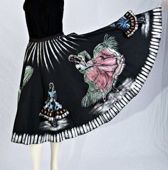 Vintage Mexican Skirt 50s Hand Painted 3D by littlethingsvintage, $275.00 Vintage Gypsy, Vintage Skirt, Vintage Clothing, Vintage Outfits, Mexican Skirts, Smaller Hips, Sari Silk, Woman Painting, Just Amazing