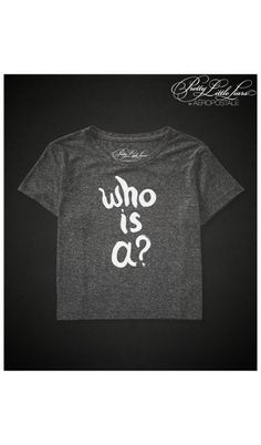 Pretty Little Liars qui est un?  Crop Boxy Graphic T - Aéropostale ®