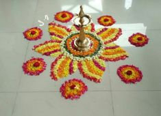 Simple Rangoli Designs Images, Rangoli Designs Flower, Colorful Rangoli Designs, Rangoli Ideas, Rangoli Designs Diwali, Diwali Rangoli, Flower Rangoli, Beautiful Rangoli Designs, Flower Designs