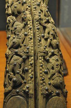 Carving details in the Oseberg ship burial, around 800 Iron Age, Arte Viking, Medieval, Norway Viking, Viking Life, Viking Warrior, Viking Culture, Old Norse, Viking Ship