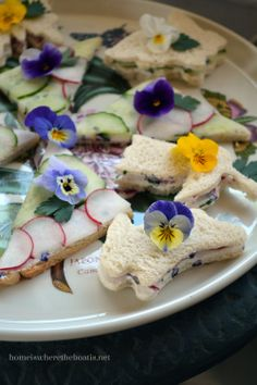 Spring Tea Sandwiches with Flower & Herb Cheese, fun for a garden party, shower, or tea. Party Sandwiches, Finger Sandwiches, Afternoon Tea Parties, Snacks Für Party, Edible Flowers, Real Flowers, Tea Recipes, Luncheon Recipes, Antipasto