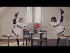 メイド100人 魅せパンリレー|100 Sizzling Japanese maids in Action|フレーバーストーン - YouTube