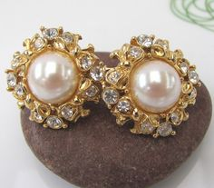 Vintage pearl rhinestone earrings clip on by GonzalezGoodies, $12.00