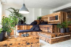 Enjoy the imperfect earthy ambiance of your own private cabin made of wood upcycled from an old Berlin home.