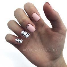 Acrylic Square Nails Design And Color Ideas For Short Nails— White Black & Pink - Page 13 of 63 - Latest Fashion Trends For Woman Casual Nails, Stylish Nails, Square Nail Designs, Cool Nail Designs, Art Designs, Manicure Y Pedicure, Gel Nails, Short Nails, Long Nails
