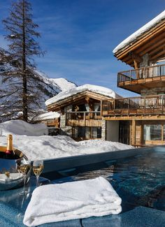 Let it Snow: 5 Cool and Cozy Ski Chalets