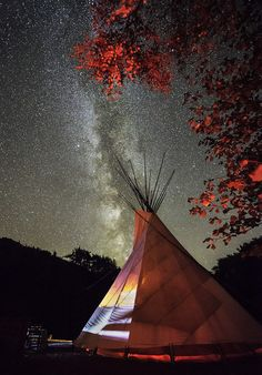 'Autumn Stars', Cledan Valley Tipis, Carno, by Kristofer Williams. | 16 Giddying Astronomy Photos That Are Out Of This World