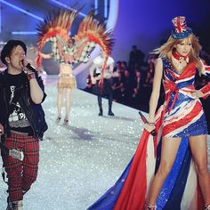 Still reliving the #VSfashionshow and getting to sing 'My Songs Know What You Did in the Dark' with Fall Out Boy.. (!!!!)