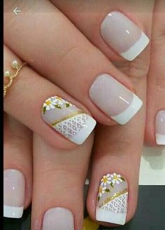 Uñas decoradas para novias Diy Nails, Cute Nails, Pretty Nails, Flower Nail Art, Square Nails, French Nails, Manicure And Pedicure, Wedding Nails, Beauty Nails