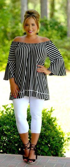 A Classic Choice Top - Black & White - Perfectly Priscilla Boutique